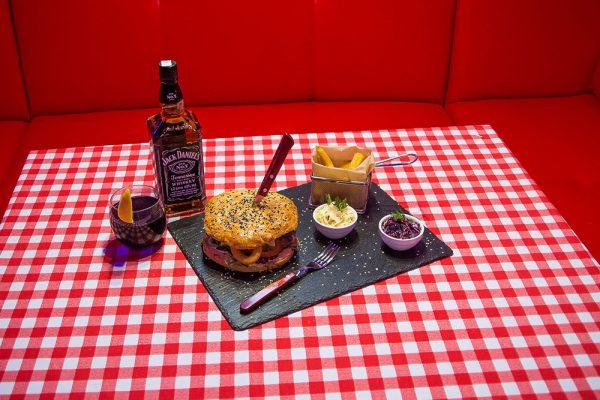 american-restaurant-tarnow-burger
